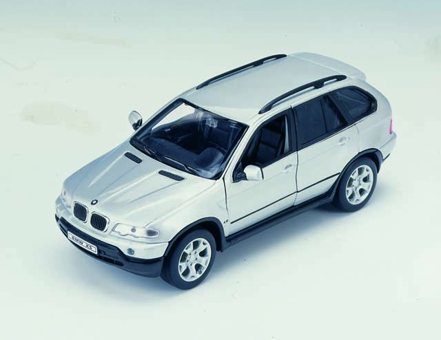 Welly: BMW X5 - Silver (9881F) in 1:32 scale